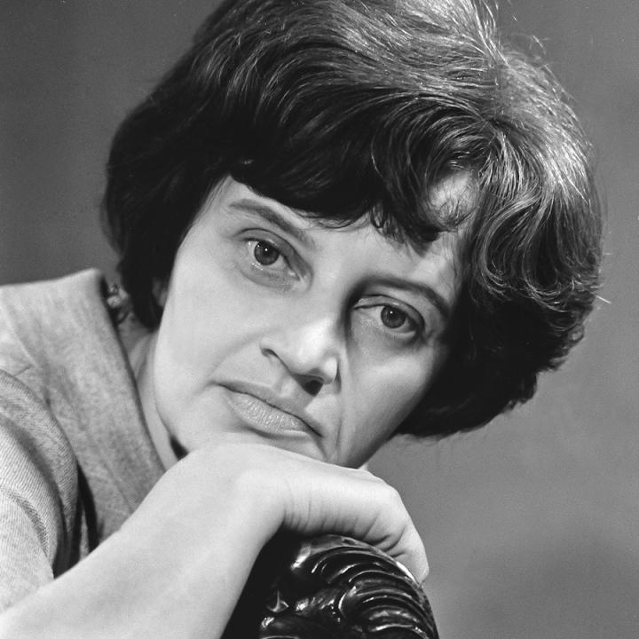 Dzejniece Olga LISOVSKA 04.08.1928.–30.09.2015.